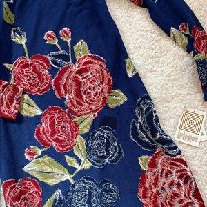 😍 NWT LULAROE elegant Debbie dress • Size SMALL